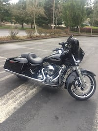 Black and chroma Harley Street-glide special Puyallup, 98374