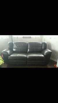 Real leather recliner Longueuil, J3Y 6N9