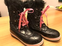 Justice Winter Boots Size 4 Toronto, M5R 2S7