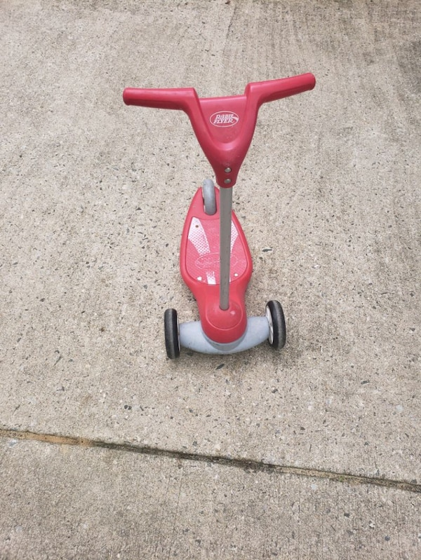 8b6bd986f00 Used Radio Flyer Scooter for sale in Presidential Lakes Estates - letgo