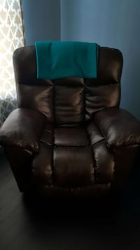 brown leather recliner chair Chantilly, 20152