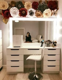 Large vanity mirror and desk (price is firm)  Houston, 77031