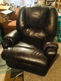 Leather recliner  Gambrills, 21054