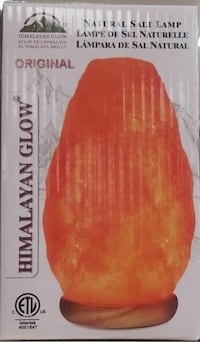 Brand new Himalayan Glow Natural Salt Lamp (pick up only) Alexandria, 22310