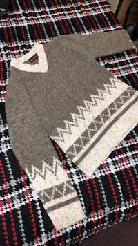cute knit sweater  Markham, L3S 2Z3