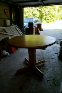 Small Dining Room Table (Leaf Insert) Coatesville, 19320