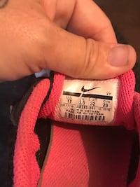 pair of black-and-pink Nike running shoes Mississauga, L5J