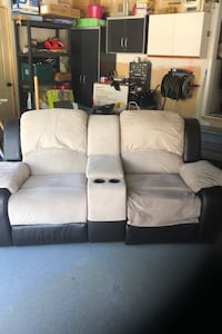 Couch Pickering, L1V