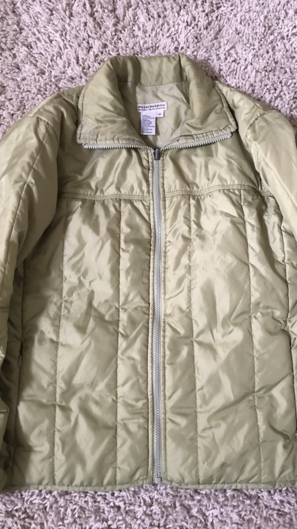 green puffer jacket size M