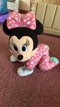 Minnie Mouse learn to crawl plush toy Naugatuck, 06770