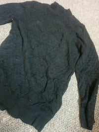 Black quarter sleeve sweater (small) Poughkeepsie