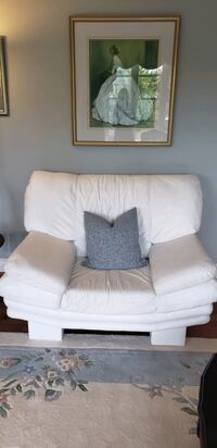 White leather sofa Toronto, M6B 2C3