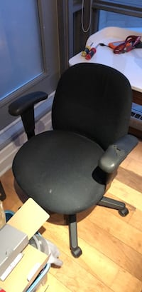 black leather office rolling armchair 535 km