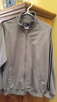 Fred Perry size large  Gatineau, J8T 5G1