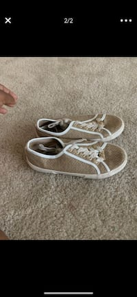 Micheal kors sneakers size 2 Windsor Mill, 21244