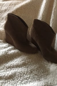 Aldo wedge ankle boot size 6