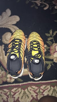 pair of black-and-yellow Nike running shoes Woodbridge, 22191