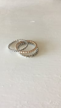 Pandora rings size 6.5 Lake Country
