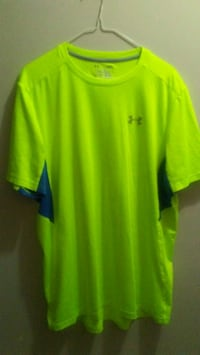 Mens large fitted under armour underarmour shirt Edmonton, T5E