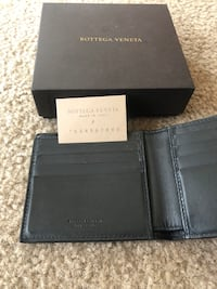 6c0bdfd8339c Used New Tumi leather wallet for sale in South San Francisco - letgo