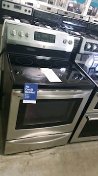 Kenmore glass top electric Stove 30inches, Queens