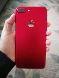 Product Red iPhone 7 plus 27 mi