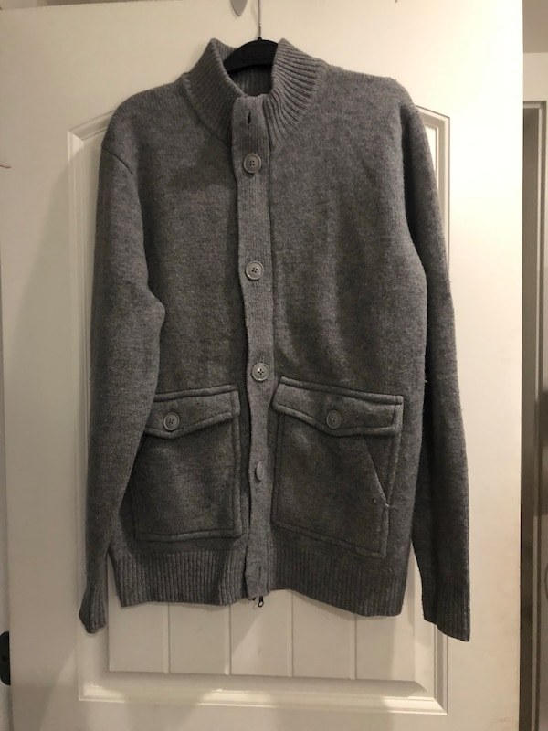 Men's wool sweater brand new