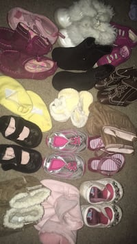 Baby shoes size newborn to 4