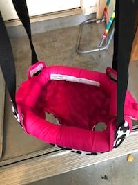 baby's red and black bassinet Portland, 78374