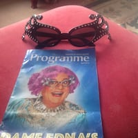 Dame Edna glasses and programme.  Fun gift! Will deliver St. Catharines- Niagara Falls Niagara-on-the-Lake, L0S 1J0