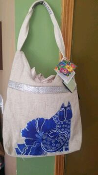 BLUE CAT PURSE. Des Moines, 50320