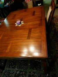 Formal dining table with chairs Conroe, 77301