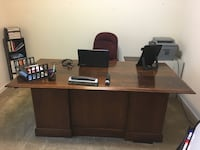 Cherry Wood Executive Desk - Excellent condition. Rock Hill, 29732