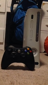 X-Box 360 and controller 3713 km