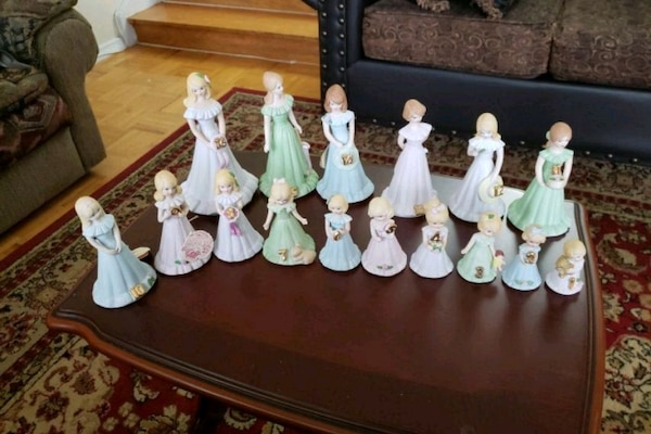 Growing up birthday dolls.number 16 is musical  8707e3ad-86d3-4133-9b0c-39265b6d3034