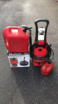 "Clean Force 1400 psi Power Washer, EZ clean 12"" surface cleaner attachment, 5 gallon & 1 gallon gas can  59 km"