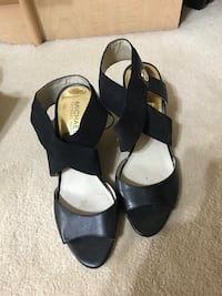 Michael Kors shoes Pickering, L1W 2Z1