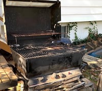 Outdoor grill on wheels – FREE – works, propane or charcoal  54 km