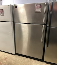 ❥Frigidaire top bottom freezer and fridge. Stainless Steel. Used. - Seaford
