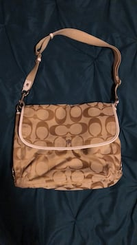 Coach satchel/ purse 579 mi