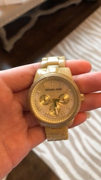 round gold Michael Kors chronograph watch with link bracelet 546 km