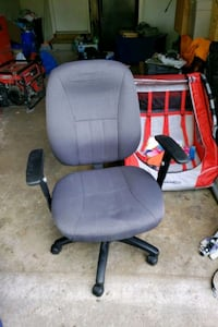 used computer chair Oakville, L6L 2H4