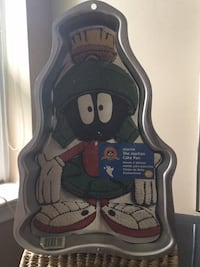Marvin the Martian cake pan Toronto, M6A 1X2