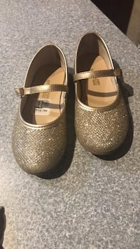 pair of gray leather mary jane shoes Orlando, 32837