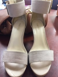 Pair of gray open-toe ankle strap sandals Los Angeles, 91331