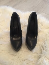 Size 9 Black close toe heels (extreme height) Toronto, M1P 2J3