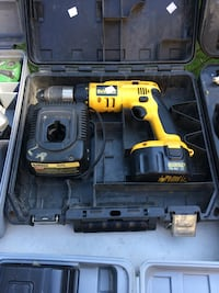 DeWalt battery screw gun