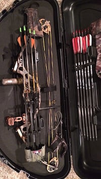 Hoyt 35-40 lb compound bow with target and accessories Hermitage, 16148