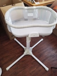 Halo luxe plus bassinet  Calgary, T3K 5S3