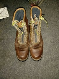 Red Wings size 9 boots New Albany, 47150